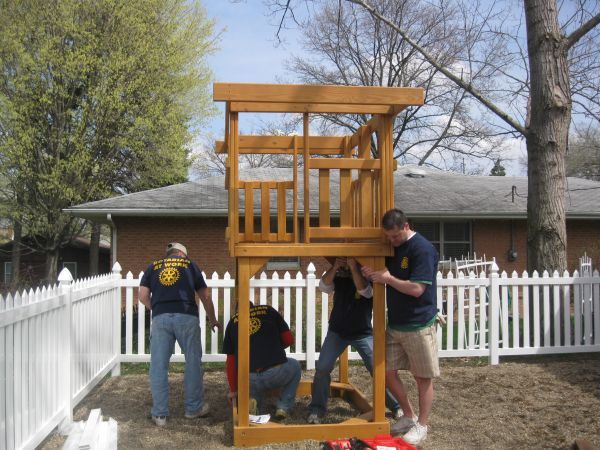Washington Rotary Club Donates and Builds a Playset